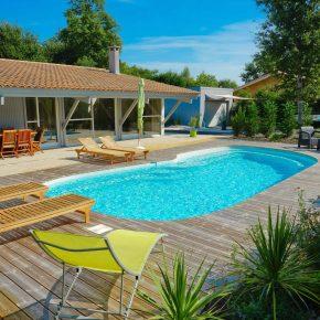 essonne-piscine-spa-nos-realisations-photo-piscine-exterieure-ligne-courbee-003