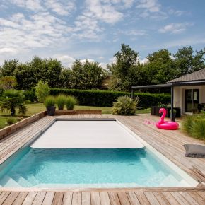 essonne-piscine-spa-nos-realisations-photo-piscine-exterieure-ligne-droite-contemporaine-014