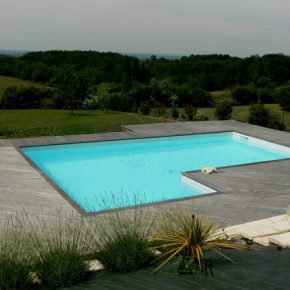 essonne-piscine-spa-construire-ma-piscine-traditionnelle-terrasse-bois-photo-08